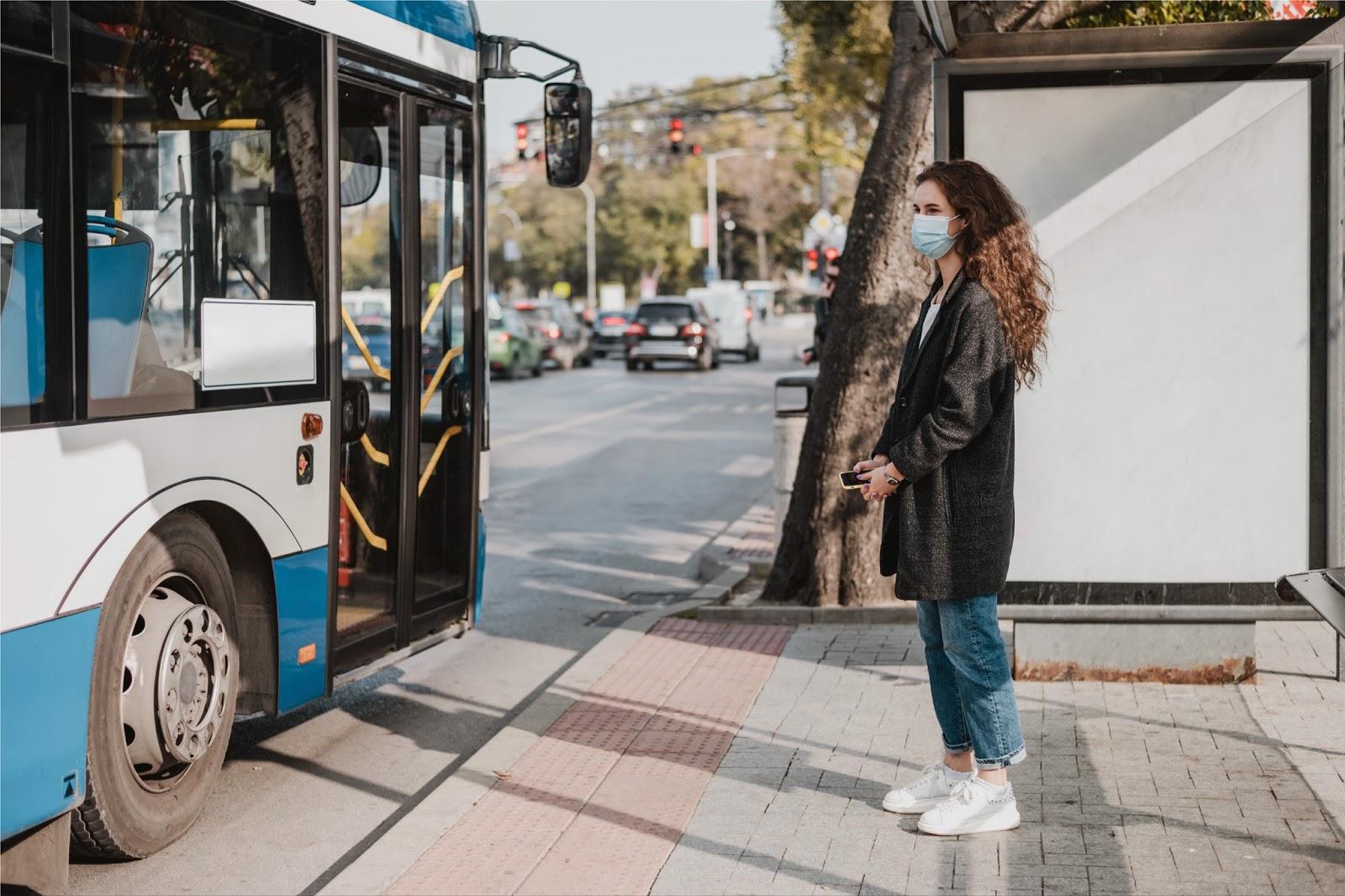 Estrategias de transporte de personal para reducir las emisiones de CO₂