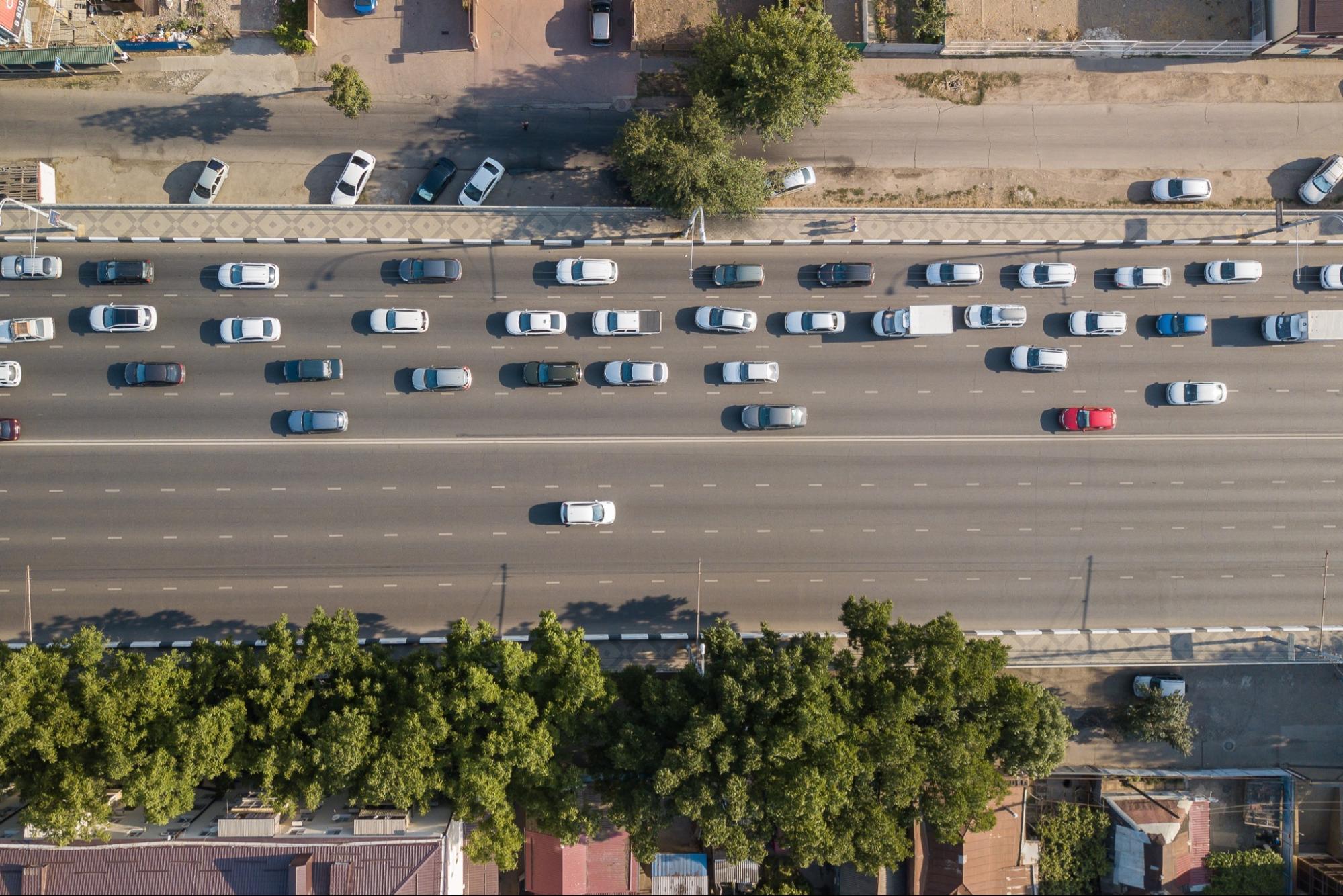 ¿Por qué te conviene contratar un servicio de transporte de personal?